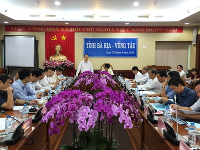TS. Phạm Văn Tân PCT kiêm TTK LHHVN phát biểu