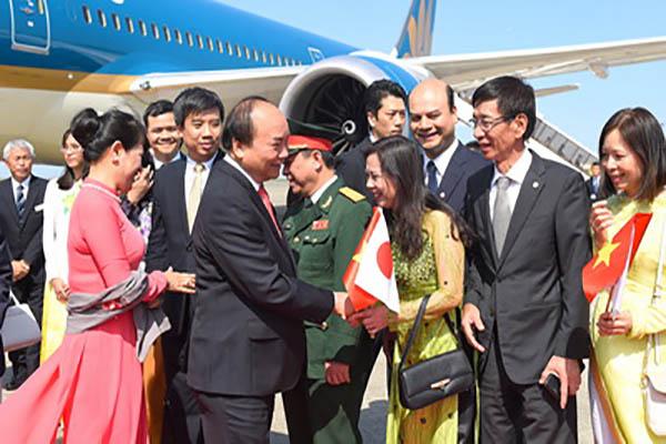 Thủ tướng Nguyễn Xuân Phúc và phu nhân cùng đoàn đại biểu cấp cao Việt Nam bắt đầu chuyến thăm chính thức Nhật Bản và tham dự Hội nghị Tương lai châu Á lần thứ 23 - Ảnh: VGP