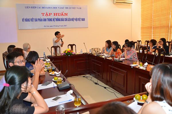 Nhà báo Đỗ Doãn Hoàng chia sẻ kinh nghiệm thực hiện bài phản ánh trong báo chí