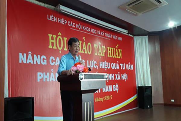 TS. Phan Tùng Mậu phát biểu khai mạc tại Hội thảo