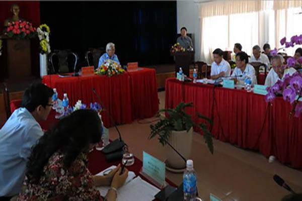 Chủ tịch UBND tỉnh Phú Yên Hoàng Văn Trà phát biểu chỉ đạo tại cuộc họp Ban chỉ đạo PTBV Tỉnh. Ảnh: Mỹ Luận