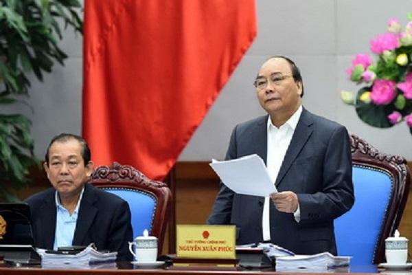 Thủ tướng nêu 10 điểm nổi bật và những điểm tồn tại, bất cập về tình hình kinh tế - xã hội quý I/2017 để các thành viên Chính phủ thảo luận - Ảnh: VGP
