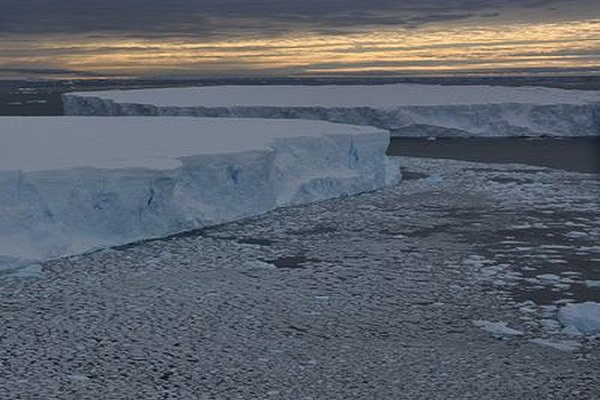 Băng tan do hiện tượng El Nino. (Nguồn: wsj.com)