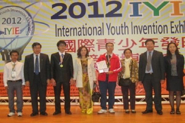 1 học sinh Việt Nam giành 2 HCV sáng chế quốc tế