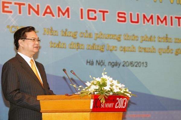 Thủ tướng Chính phủ Nguyễn Tấn Dũng phát biểu chỉ đạo tại Diễn đàn Cấp cao Công nghệ thông tin và truyền thông Việt Nam năm 2013