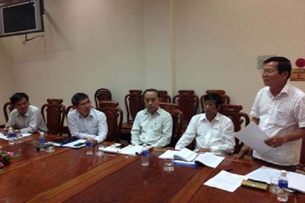 TS Nguyễn Văn Khang, Chủ tịch Hội đồng phản biện phát biểu kết luận cuộc họp.