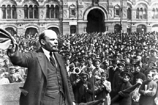 Tiếp bước con đường Cách mạng Tháng Mười Nga vĩ đại