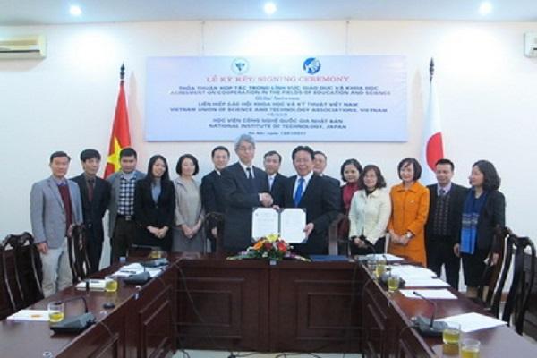 Thỏa thuận hợp tác giữa Liên hiệp Hội Việt Nam và Viện Công nghệ Quốc Gia Nhật Bản