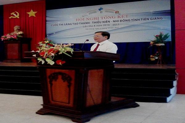 TS Nguyễn Văn Khang – Chủ tịch LHH, Trưởng ban tổ chức Cuộc thi phát biểu.