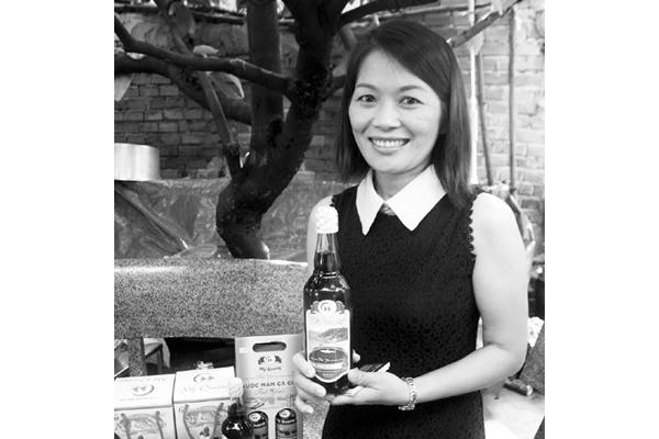 """""""Nàng mắm"""" Nguyễn Thị Thúy Hằng đã là doanh nhân trẻ thành đạt với thương hiệu Nước mắm Mỹ Quang"""