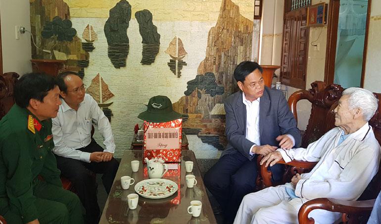 Lãnh đạo tỉnh thăm, chúc sức khỏe các đồng chí nguyên lãnh đạo tỉnh