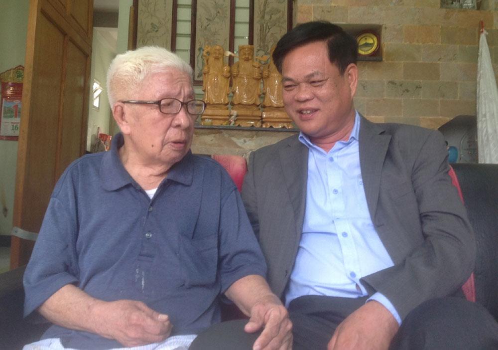 Bí thư Tỉnh ủy Huỳnh Tấn Việt: Thăm, tặng quà các đồng chí nguyên lãnh đạo tỉnh