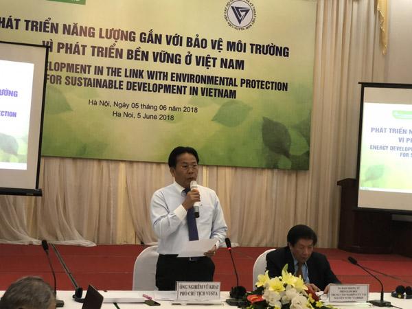 TSKH Nghiêm Vũ Khải – Phó chủ tịch Liên hiệp các Hội Khoa học và Kỹ thuật Việt Nam phát biểu khai mạc hội thảo