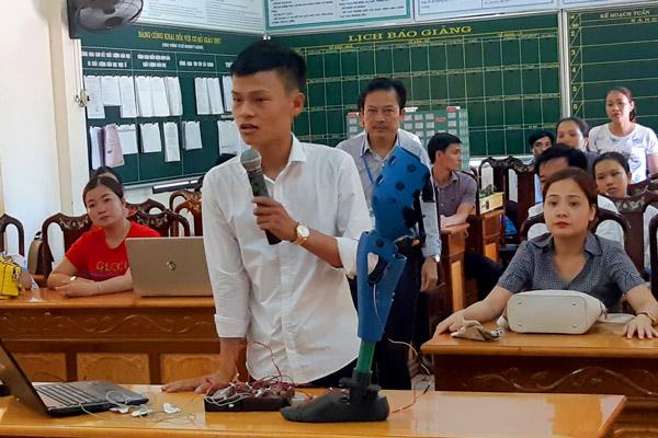 """Công trình """"Chân rô-bốt hỗ trợ người khuyết tật"""" của em Nguyễn Nhật Lâm được Hội đồng Giám khảo đánh giá cao tại Vòng chung kết Cuộc thi cấp tỉnh lần thứ 9 tỉnh Hà Tĩnh"""