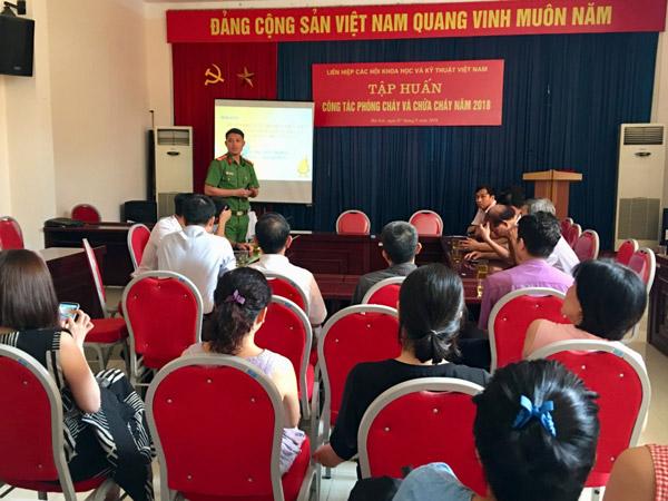 Liên hiệp Hội Việt Nam tổ chức tập huấn công tác phòng cháy, chữa cháy