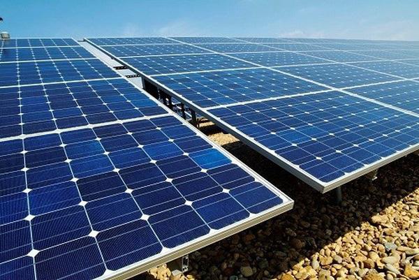 Phú Yên: Trình diễn hệ thống pin năng lượng mặt trời trên mái nhà