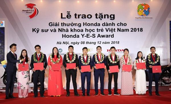 Trao tặng Giải thưởng Honda dành cho kỹ sư và nhà khoa học trẻ Việt Nam 2018