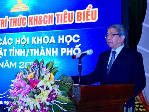GS-TSKH Đặng Vũ Minh- Chủ tịch Liên hiệp Hội Việt Nam phát biểu tại Lễ tôn vinh khen thưởng trí thức KH&CN tiêu tại Hải Phòng tháng 8/2017