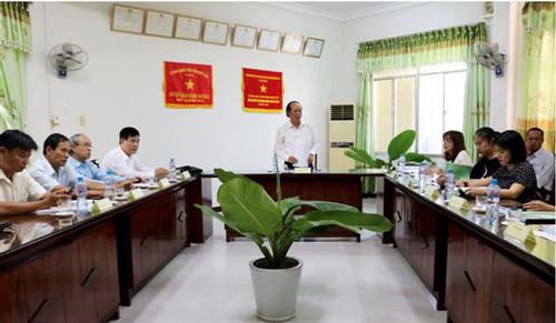 Phó Chủ tịch UBND tỉnh Phan Đình Phùng chủ trì cuộc họp