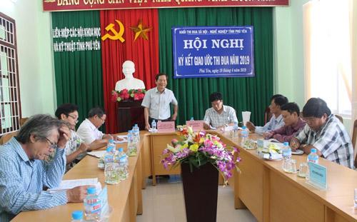 Ông Nguyễn văn Khoa - Chủ tịch Liên hiệp Hội Phú Yên; Trưởng Khối thi đua, phát biểu tại Hội nghị
