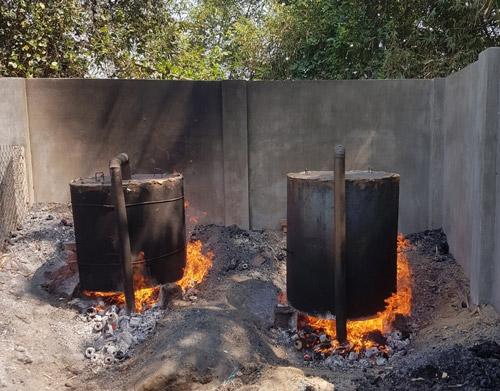 Lò hầm củi để ra sản phẩm than sạch