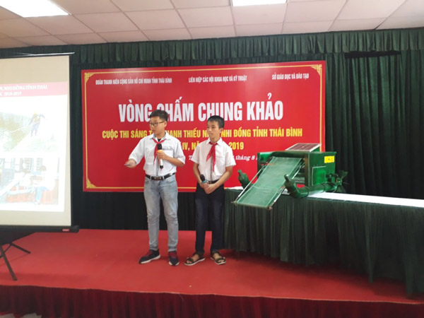 Thái Bình: Chấm chung khảo các mô hình, sản phẩm dự kiến đoạt giải cao tại Cuộc thi Sáng tạo thanh thiếu niên nhi đồng
