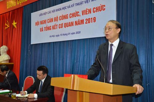 Đồng chí Phạm Văn Tân – Phó chủ tịch kiêm Tổng thư ký Liên hiệp Hội Việt Nam phát biểu chỉ đạo tại hội nghị