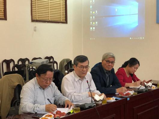 Ông Mai Hà – Chủ tịch Hội Sở hữu trí tuệ Việt Nam (người thứ hai từ trái sang)