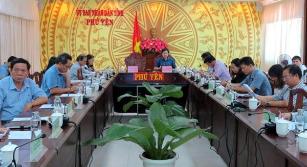Các đại biểu dự hội nghị tại điểm cầu Phú Yên
