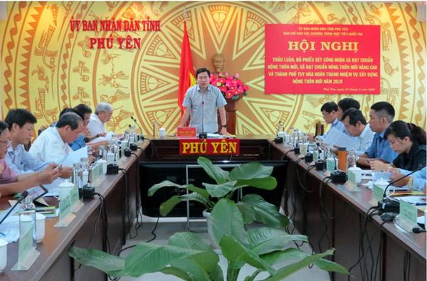 Đồng chí Phó Chủ tịch UBND tỉnh Trần Hữu Thế phát biểu tại cuộc họp