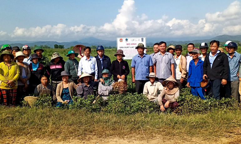 Áp dụng kỹ thuật sản xuất thích ứng biến đổi khí hậu: Giúp nông dân chuyển đổi mô hình canh tác bền vững