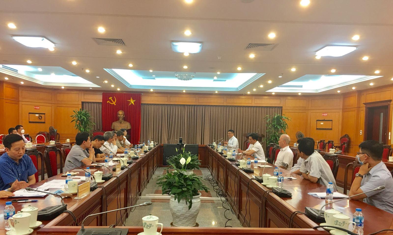 Bộ Khoa học và Công nghệ họp bàn về nghiên cứu và sản xuất vắc xin phòng Covid – 19