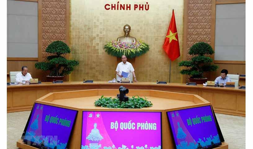 Thủ tướng Nguyễn Xuân Phúc chủ trì họp Thường trực Chính phủ với Ban chỉ đạo Quốc gia phòng, chống dịch COVID-19. Ảnh: TTXVN