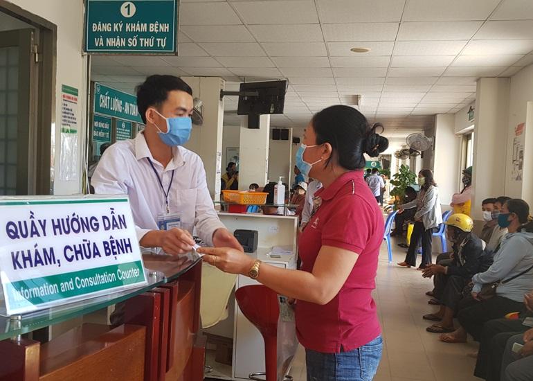Đánh giá sự hài lòng của người dân đối với dịch vụ y tế công