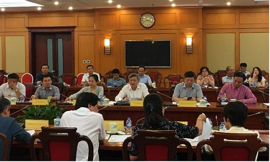 Thứ trưởng Phạm Công Tạc đồng chủ trì buổi họp.