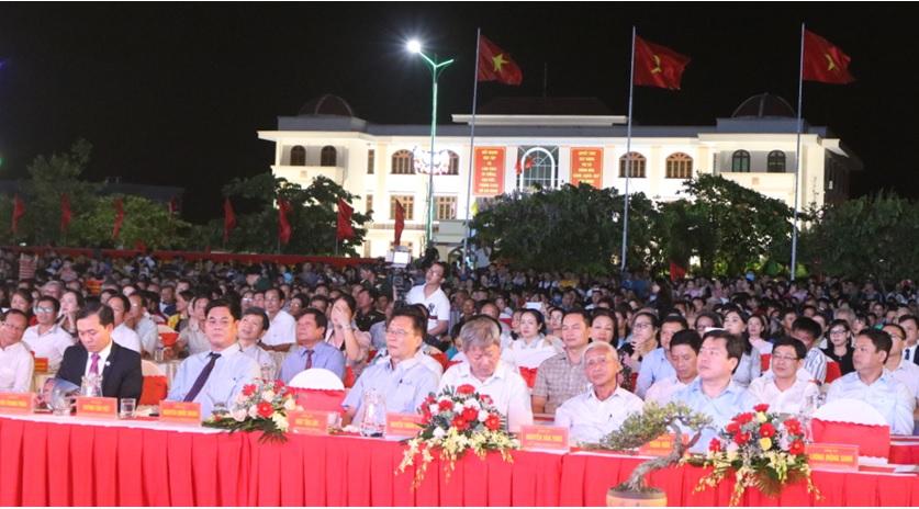 Các đại biểu dự buổi lễ kỷ niệm