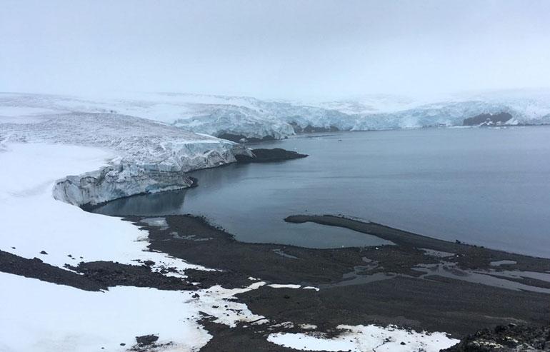 Sông băng Collins tại Nam Cực, ngày 2/2/2018. Diện tích băng tan ở Nam Cực đang ở mức báo động - Ảnh: AFP/TTXVN