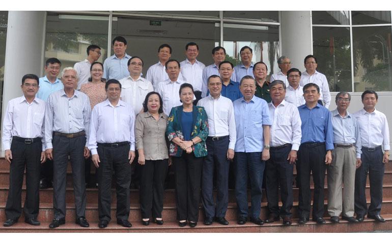 Bộ Chính trị làm việc với Ban Thường vụ Tỉnh ủy Phú Yên: Chuẩn bị nội dung, nhân sự cho Đại hội Đảng bộ tỉnh lần thứ XVII