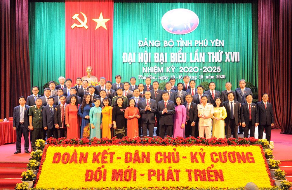 Bế mạc Đại hội đại biểu Đảng bộ tỉnh lần thứ XVII: Đề ra 6 nhiệm vụ trọng tâm và 15 chỉ tiêu cơ bản