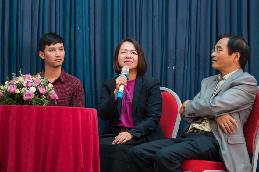 Các sinh viên trao đổi tại diễn đàn sáng tạo năng lượng bền vững do Vusta tổ chức