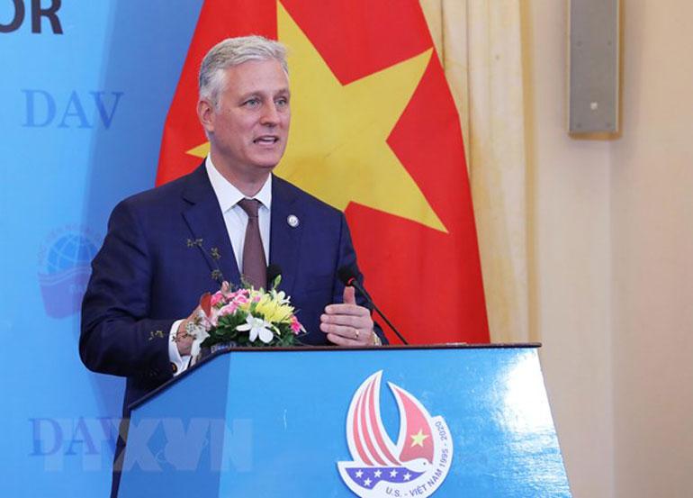 Cố vấn An ninh Quốc gia Hoa Kỳ Robert O'Brien nói chuyện với sinh viên Học viên Ngoại giao tại Hà Nội. Ảnh: TTXVN