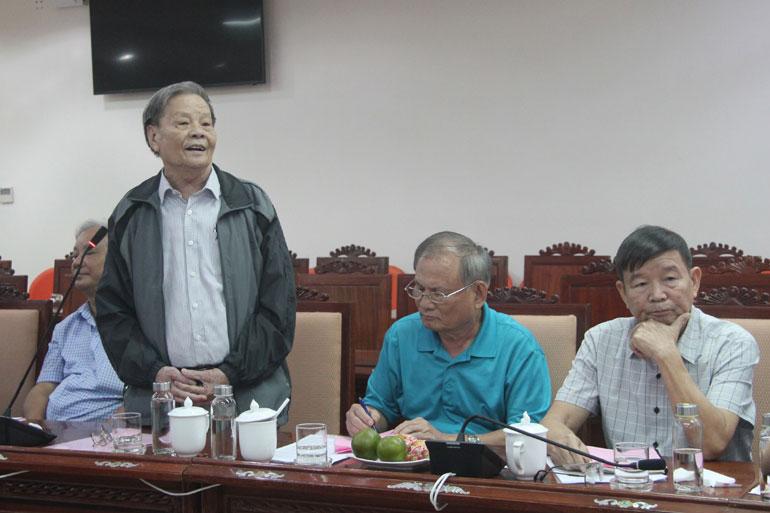 Nguyên Phó Chủ tịch UBND tỉnh Trần Minh Mạch phát biểu tại buổi gặp mặt. Ảnh: LÊ HẢO