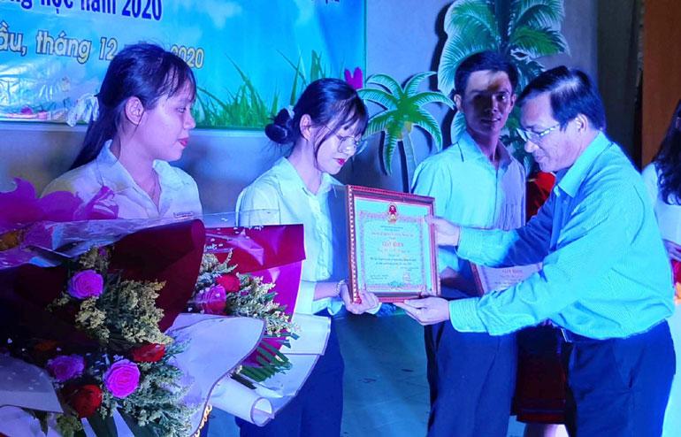 Hội thi truyền thông tuyên truyền về sử dụng năng lượng tiết kiệm và hiệu quả: Trường THCS và THPT Nguyễn Khuyến đạt giải nhất