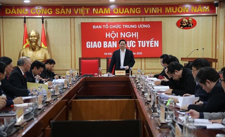 Đồng chí Phạm Minh Chính, Ủy viên Bộ Chính trị, Bí thư Trung ương Đảng, Trưởng Ban Tổ chức Trung ương phát biểu tại hội nghị.