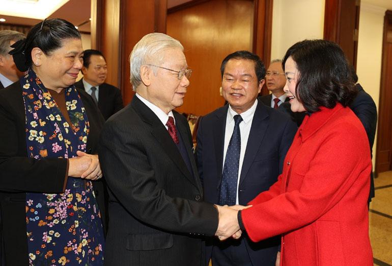 Tổng Bí thư, Chủ tịch nước Nguyễn Phú Trọng với các đại biểu dự Hội nghị Trung ương 15, khóa XII vừa diễn ra tại Thủ đô Hà Nội. Ảnh: TTXVN
