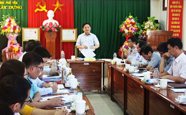 Đồng chí Lê Tấn Hổ phát biểu chỉ đạo tại buổi làm việc với Sở Xây dựng. Ảnh: THỦY TIÊN