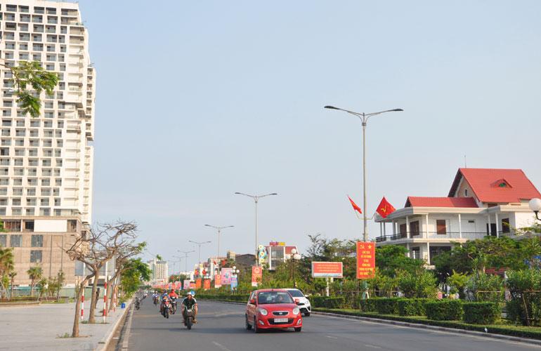 TP Tuy Hòa - trung tâm tỉnh lỵ của Phú Yên đang được đầu tư xây dựng để trở thành đô thị loại I. Ảnh: NGỌC THẮNG