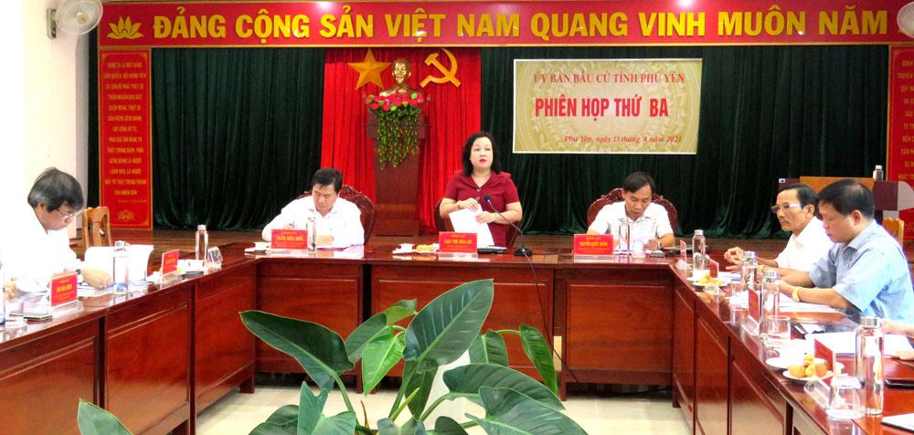 Đồng chí Cao Thị Hòa An phát biểu tại phiên họp. Ảnh: THÙY THẢO