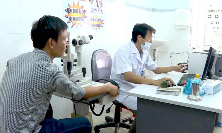 Kiểm tra thông tin bằng ứng dụng CNTT cho bệnh nhân trước khi khám